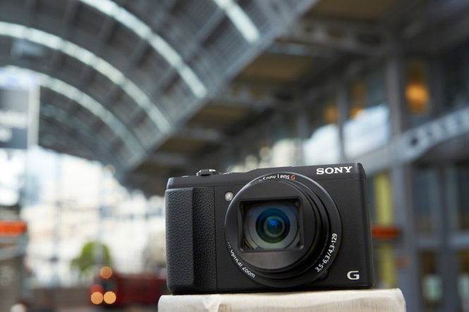 Sony's nya kompaktkamera DSC-HX60V har inbyggd Wi-Fi, gps och 30 x optisk zoom.