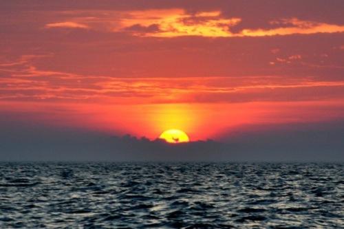 Vår sista solnedgång till sjöss.