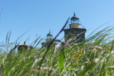 De nuvarande fyrtornen byggde 1834-1846 av sten från Varbergs fästning