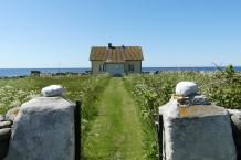 Föreningen Nidingens Vänner sköter om de gamla fyrarna och intilliggande byggnader på ön. Allt är mycket välskött.